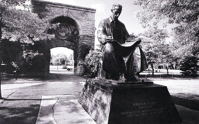 Tesla Statue Niagara Falls - Amazing Tesla